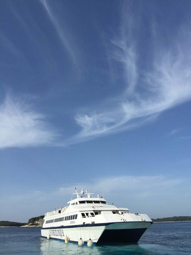 Schiff Makarska
